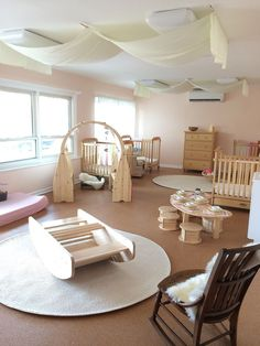 Great use of natural colors for this infant room. Seems very calming and that's how every infant room should feel. Montessori Toddler, Infant Toddler Classroom, Toddler Daycare Rooms, Classroom Design, Classroom Decor, Reggio Classroom, Church Nursery, Nursery Room, Baby Room