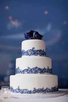 A beautiful white cake with indigo blue lace trim. Photo Source: dmpj. #weddingcake #white #indigoblue