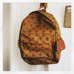 Mochila hecha a mano impermeable.  Handmade waterproof schoolbag