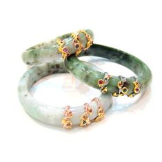 Jade Bangles (London-Blue Topazes, Amethysts) SGD 380 each Jade Jewelry, Jewelry Accessories, Jewelry Design, Gold Bangle Bracelet, Gold Bangles, Gold Necklace, Bracelets, Jade Ring, Jewelery