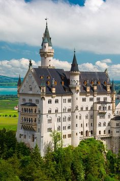 Neuschwanstein Castle in Germany Beautiful Castles, Beautiful Buildings, Beautiful Places, Germany Castles, Scotland Castles, Architecture Old, Beautiful Architecture, Neuschwanstein Castle, Castle In The Sky