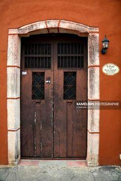 Porte dune maison coloniale de Valladolid