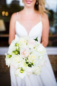 Lindsey + Nick's Nautical Milwaukee Wedding |Gown: Lea-Ann Belter Madeleine via White Dress Bridal Boutique | Image: Studio KH