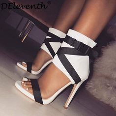 Sexy High Heels, High Heels Boots, Frauen In High Heels, High Heels Stilettos, Womens High Heels, Pump Shoes, Stiletto Heels, Shoes Sandals, Classy Heels