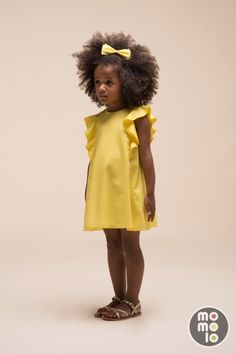 Hucklebones kids English modern classic style for spring 2016 Vivid yellow ruffled sleeve dress at Hucklebones English modern classic kidswear for spring 2016 Little Girl Fashion, Toddler Fashion, Fashion Kids, Trendy Fashion, Latest Fashion, Spring Fashion, Fashion Design, Fashion Trends, Outfits Niños