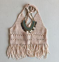Crochet fringe halter #swoonboutique Bikinis Crochet, Crochet Bra, Hippie Crochet, Diy Crochet And Knitting, Crochet Halter Tops, Crochet Sandals, Crochet Fringe, Crochet Bikini Top, Crochet Woman