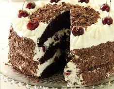 Bine ati venit in Bucataria Romaneasca. Astazi va prezentam o reteta de Tort. Lista de ingrediente pentru blat: -150 grame zahar fin; -trei linguri cacao; -50 grame faina; -sase oua separate; -50 grame amidon de porumb; -un pliculet zahar vanilat. Lista de ingrediente pentru crema de frisca: -75 grame zahar pudra; -o cutie de cirese … Biscuits, Cake Cookies, Tiramisu, Cake Recipes, Bacon, Cheesecake, Food And Drink, Cooking Recipes, Sweets