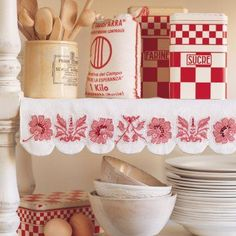 Vintage red and white kitchen - embroidered shelf | http://vintage-life-styles-76.blogspot.com