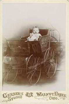 The Baby Stroller: A Visual History Vintage Children Photos, Vintage Pictures, Vintage Images, Baby Pictures, Vintage Stroller, Vintage Pram, Vintage Dolls, Vintage Advertisements, Vintage Ads