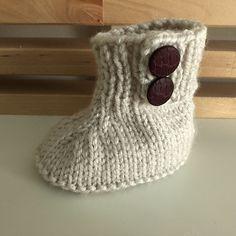 Ravelry: Seamless Baby Booties pattern by Liesbeth Braam Baby Booties Free Pattern, Crochet Baby Dress Pattern, Crochet Baby Booties, Baby Knitting Patterns, Baby Blanket Crochet, Baby Patterns, Free Knitting, Crochet Hats, Newborn Hats