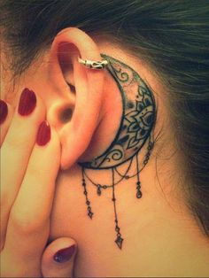 Lotus Lua Tatuagem Atrás da Orelha Mais