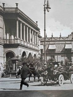 Casa de los Leones y Perros..         Arriba.. aparece la Plazuela de Guardiola.. 1917