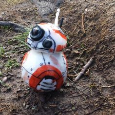 Teddy used Plastimake and permanent markers to create an adorable little BB-8 droid, as featured in the recent Star Wars film.