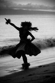 Hula Dancer on the Beach byJessica Veltri
