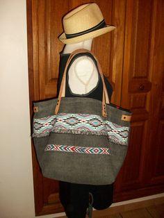 Sac cabas en toile de coton gris , motif ethnique , anses en cuir : Sacs à main par cocoon-by-ln