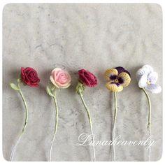 ガラスドームに閉じ込めます。 ピンクの薔薇、ラブリーで気に入ってます♡ #レース編み