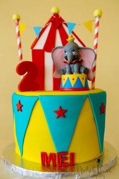 Dumbo and platform Toddler Birthday Themes, Dumbo Birthday Party, Kylie Birthday, 5th Birthday Party Ideas, Baby Boy 1st Birthday, Circus Birthday, First Birthday Parties, First Birthdays, Birthday Cakes