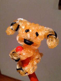 Puppy pencil hugger Rainbowloom for Ollie please Rainbow Loom Tutorials, Rainbow Loom Patterns, Rainbow Loom Creations, Rainbow Loom Bands, Rainbow Loom Charms, Rainbow Loom Bracelets, Loom Bands Designs, Loom Band Patterns, Loom Band Charms
