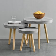 MDF table top in concrete look. You can find suitable tables here! House and … - furniture diy projects Concrete Stool, Concrete Furniture, Concrete Design, Trendy Furniture, Diy Furniture, Furniture Design, Diy Home Crafts, Diy Home Decor, Refurbished Coffee Tables