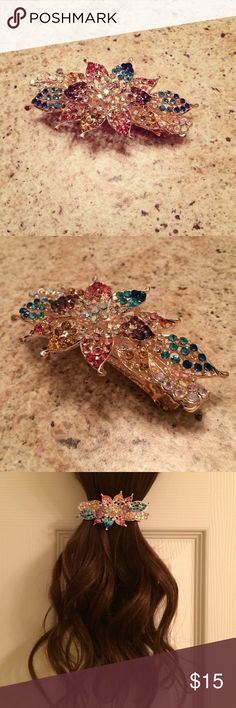 New! Multi-Color Crystal Hair Clip! New, in packaging. Beautiful multi-color Hair Clip, perfect for any hairstyle! Bella Con Sol Accessories Hair Accessories