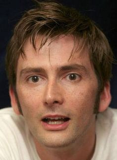 David Tennant Still Doesn't Use Twitter!! (Or Any Other Social Media)    http://www.david-tennant-news.com/entry/david-tennant-still-doesn-t-use-twitter-or-any-other-social-media