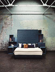Habitación con pared de ladrillo visto. Espacio de estilo #industrial. Nos encanta.