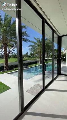Glass House Design, Modern House Design, Modern Glass House, Modern Beach Houses, Small House Design, Dream House Interior, Luxury Homes Dream Houses, Interior Design Videos, Modern Interior Design