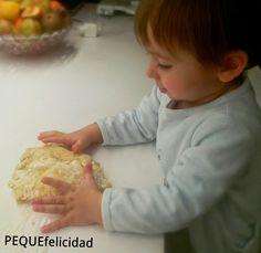 Ya os he hablado muchas veces de lo que nos gusta cocinar en familia , la cocina es una fuente incalculable de estímulos para los ni... Montessori Activities, Toddler Activities, Ideas Para, Montessori Toys, Kid Cooking, Food, Baby Memories, Baby Education, Toddler Crafts