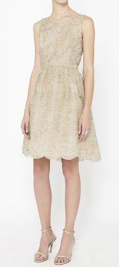 Oscar de la Renta Taupe And Gold Dress #couture #oscardelarenta #oscar #renta #fashion #luxe #luxury #delarenta #RTW