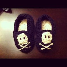 Baby Hand-knit Skull Slippers.....cute!