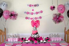 Zebra Diva Party: Earn your stripes with a Zebra party for kids. Check out the hot pink zebra party supplies, you party animal! Diva Birthday Parties, Pink Parties, Birthday Party Decorations, Diva Party, Easy Decorations, Birthday Celebrations, Party Party, Party Wedding, Party Favors