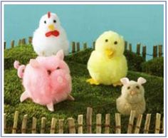 Pom pom animals - for Jo! Bunny Crafts, Doll Crafts, Easter Crafts, Pom Pom Animals, Felt Animals, Crafts To Make, Crafts For Kids, Pipe Cleaner Crafts, Pipe Cleaners