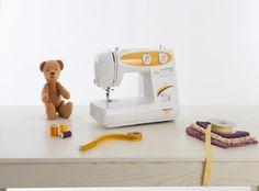 La Necchi N85 è dotata di 23 punti che spaziano dai punti utili a quelli elastici e decorativi per finire all'asola in 4 tempi. Ottieni il massimo dalla tua macchina per cucire, grazie alle regolazioni di lunghezza e larghezza punto e del punto zig-zag, con la N85 potrai personalizzare al massimo sia i tuoi lavori sartoriali che creativi. Sewing, Dressmaking, Couture, Stitching, Sew, Costura, Needlework