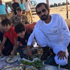 Hamad bin Mohammed bin Hamad Al Sharqi y su abuelo, Mohammed bin Rashid bin Saeed Al Maktoum, 09/01/2016. Vía: latifa.mrm