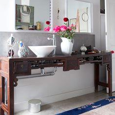 Bathroom | Decorating inspiration | Laura Santtini | House tour | PHOTO GALLERY | Housetohome.co.uk