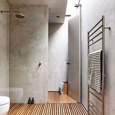 """""""Combinação perfeita entre cimento e madeira, até para o banheiro. Em Victoria, Austrália por Schulberg Demkiw Architects #inandoutdecor Perfect…"""""""