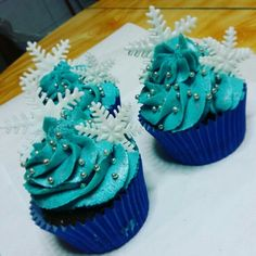 Frozen cup cakes girl party