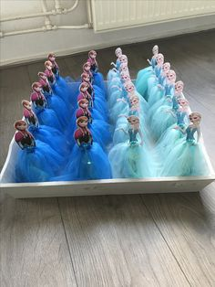 13 non-food treats that you can make yourself Go Mommy Go Frozen Themed Birthday Party, Disney Princess Birthday, Frozen Party, Birthday Party Decorations, Birthday Parties, Frozen Birthday Centerpieces, Kids Party Treats, School Birthday Treats, Barbie Party