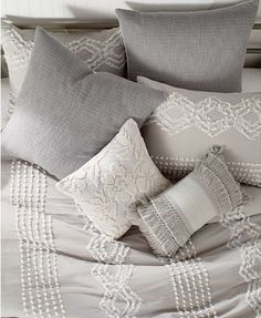 Bedroom Comforter Sets, Bedroom Bed, Duvet Sets, Fur Comforter, Airy Bedroom, Queen Bedding, Master Bedrooms, Master Suite, Natural Bedding