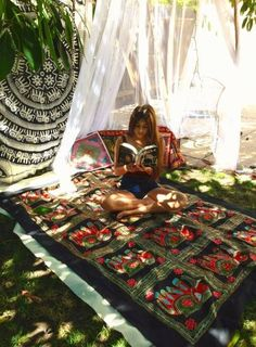 Reading in a bohemian backyard Outdoor Spaces, Outdoor Living, Outdoor Life, Hippie Life, Boho Hippie, Where The Heart Is, Good Vibes, Tricks, Interior And Exterior
