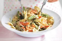 Mozzarella, garlicky cilantro dressing and fresh asparagus make this pasta dish delicious. What makes it win-win-win? It's fast, tasty and serves ten! Ways To Cook Asparagus, Asparagus Recipe, Fresh Asparagus, Sauce Recipes, Pasta Recipes, Cilantro Sauce, Cilantro Dressing, Veggie Main Dishes, Side Dishes