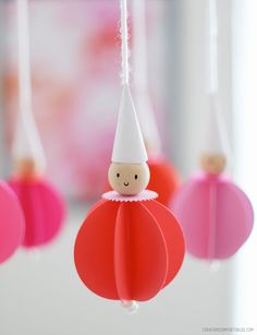 diy: circus pals mobile - tutorial at creaturecomfortsblog