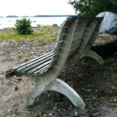 Hullaannu ja hurmaannu: Mustaa ja valkoista mökillä Outdoor Furniture, Outdoor Decor, Bench, Park, Home Decor, Decoration Home, Room Decor, Benches, Parks