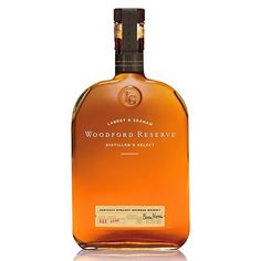 Woodford Reserve Kentucky Straight Bourbon is the perfect Bourbon to be sipping on Kentucky Derby day. Good Whiskey Brands, Bourbon Whiskey Brands, Whiskey Drinks, Whiskey Bottle, Whiskey Barrels, Bourbon Cocktails, Rye Whiskey, Scotch Whisky, Whisky Jack Daniels