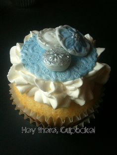 Vintage Button Cupcake