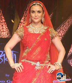 India International Jewellery Week 2015 -- Preity Zinta Picture # 313662