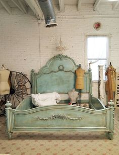 In love with this bed.