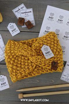 A Modified Salome Ear Warmer Pattern – Savlabot Beginner Knitting Patterns, Easy Knitting, Knitting Yarn, Knit Wrap Pattern, Knitted Headband Free Pattern, Bandeau Crochet, Granny Square Pattern Free, Baby Hats Knitting, Crochet Flower Patterns