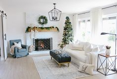 46 Inspiring Christmas Decoration Ideas For Your Living Room. Use Christmas craft ideas to make your living room looks sensational this year. Usually the living room is where the Christmas tree . Christmas Living Rooms, Christmas Home, Christmas Ideas, Christmas Fireplace, Simple Christmas, Christmas Christmas, Living Room Designs, Living Room Decor, Dining Room