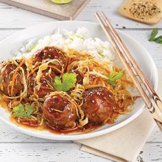 Boulettes de poulet miel et sriracha - 5 ingredients 15 minutes Asian Recipes, Healthy Recipes, Ethnic Recipes, Confort Food, Meatball Recipes, Korean Food, Kimchi, Cooking Time, Easy Meals